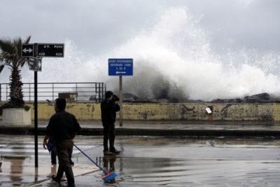 Armada advierte de intensas marejadas en la Región de Valparaíso