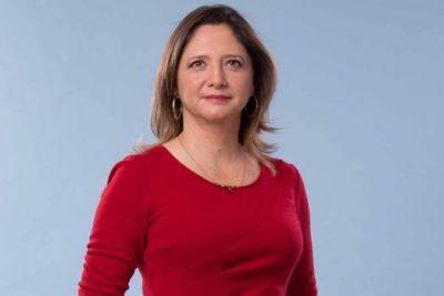 Trabajadores de TVN golpean la mesa por el nuevo contrato de Mónica Pérez en Londres