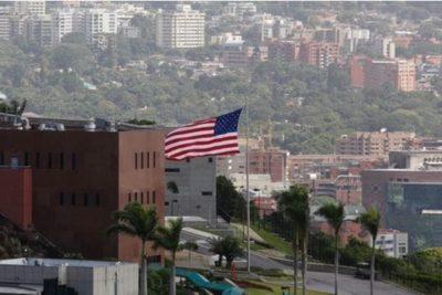 EE.UU. ordena a los familiares del personal de su embajada que abandonen Venezuela