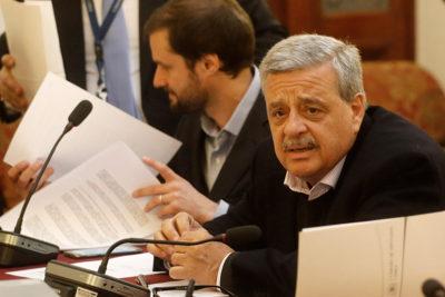 El tapaboca de Sergio Aguiló al diputado Urrutia y a Chile Vamos por defender los DD.HH. en discusión por aborto