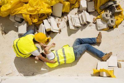 El 40% de los accidentes laborales en Chile es producto de golpes y caídas