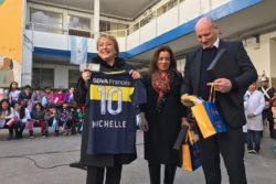 ¿Y esto cómo le afecta a Boca? Bachelet es nombrada socia honoraria del club