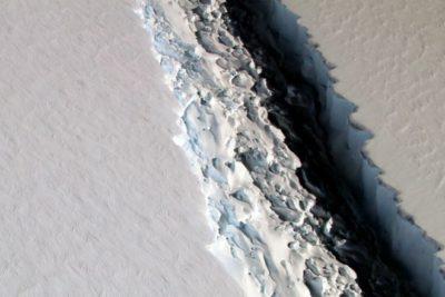Científicos informaron del desprendimiento del iceberg más grande de la Antártica