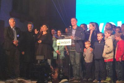 Kast felicita a Piñera y agradece confianza de votantes