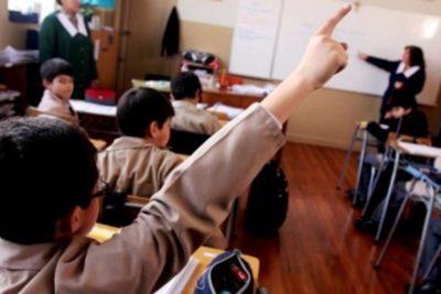 Cadem: aprobación a reforma educacional sube 5 puntos y su rechazo baja otros seis