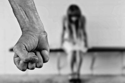 España aprueba 200 medidas para combatir la violencia de género