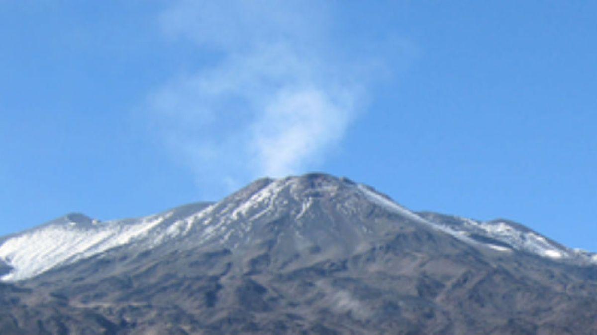 """""""Drástico aumento de actividad sísmica del volcán Tupungatito: 42 eventos en una hora"""""""