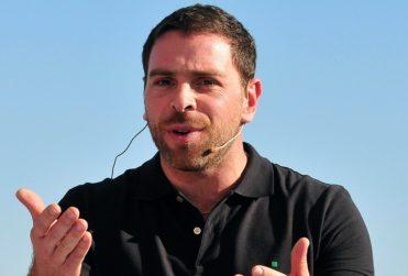 """José Antonio Neme hizo volar Twitter con respuesta a rodeolover que lo invitó a """"no ver si no le gusta"""""""