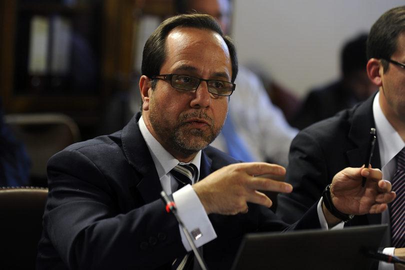Fraude en Carabineros: ex contralor Ramiro Mendoza declaró ante el fiscal Eugenio Campos