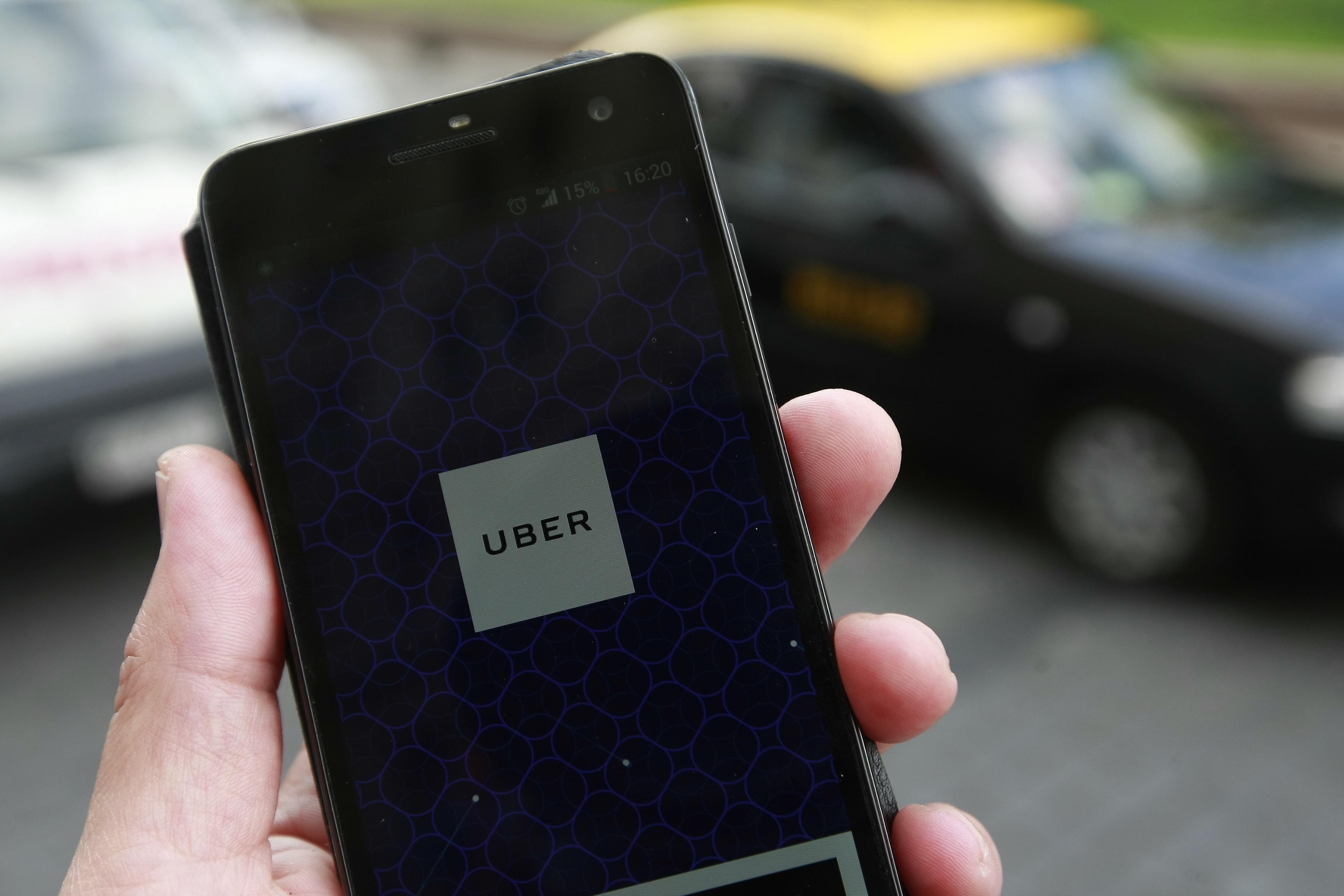 Cinco años de Uber en Chile: app traslada a más de dos millones de pasajeros al mes