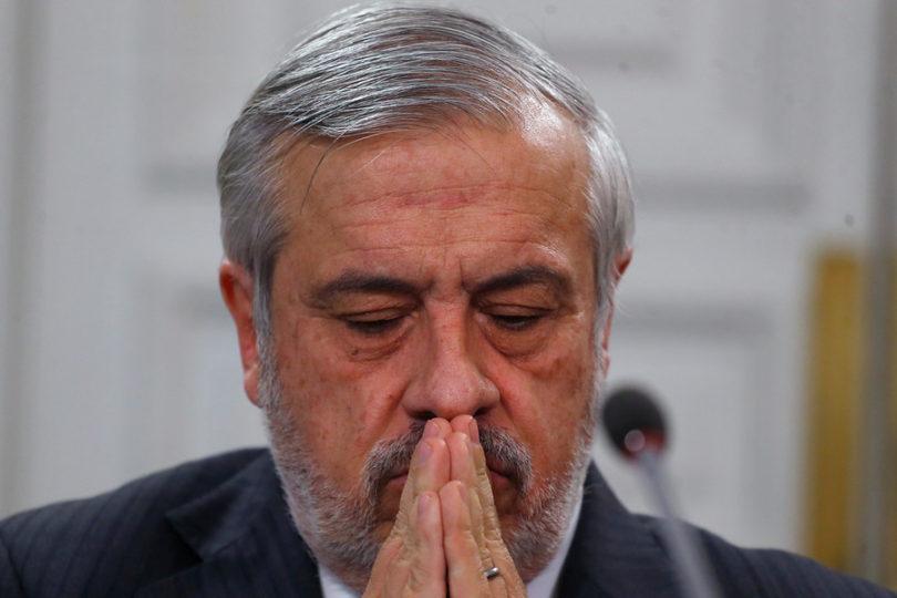 """Avalancha de respuestas al ex ministro Mañalich por comentario sobre """"debut"""" de Camila Vallejo"""