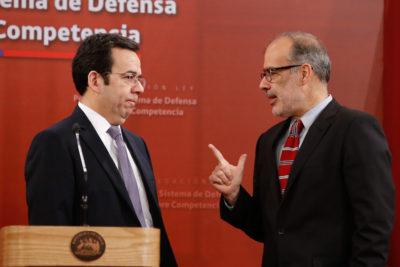 Valdés y Céspedes renuncian: asume mismo equipo económico de Ricardo Lagos