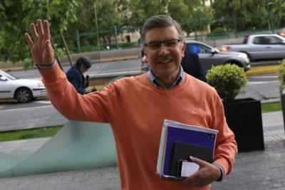 Alcalde busca a emprendedor: Lavín anuncia licitación para crear botón antiportonazo