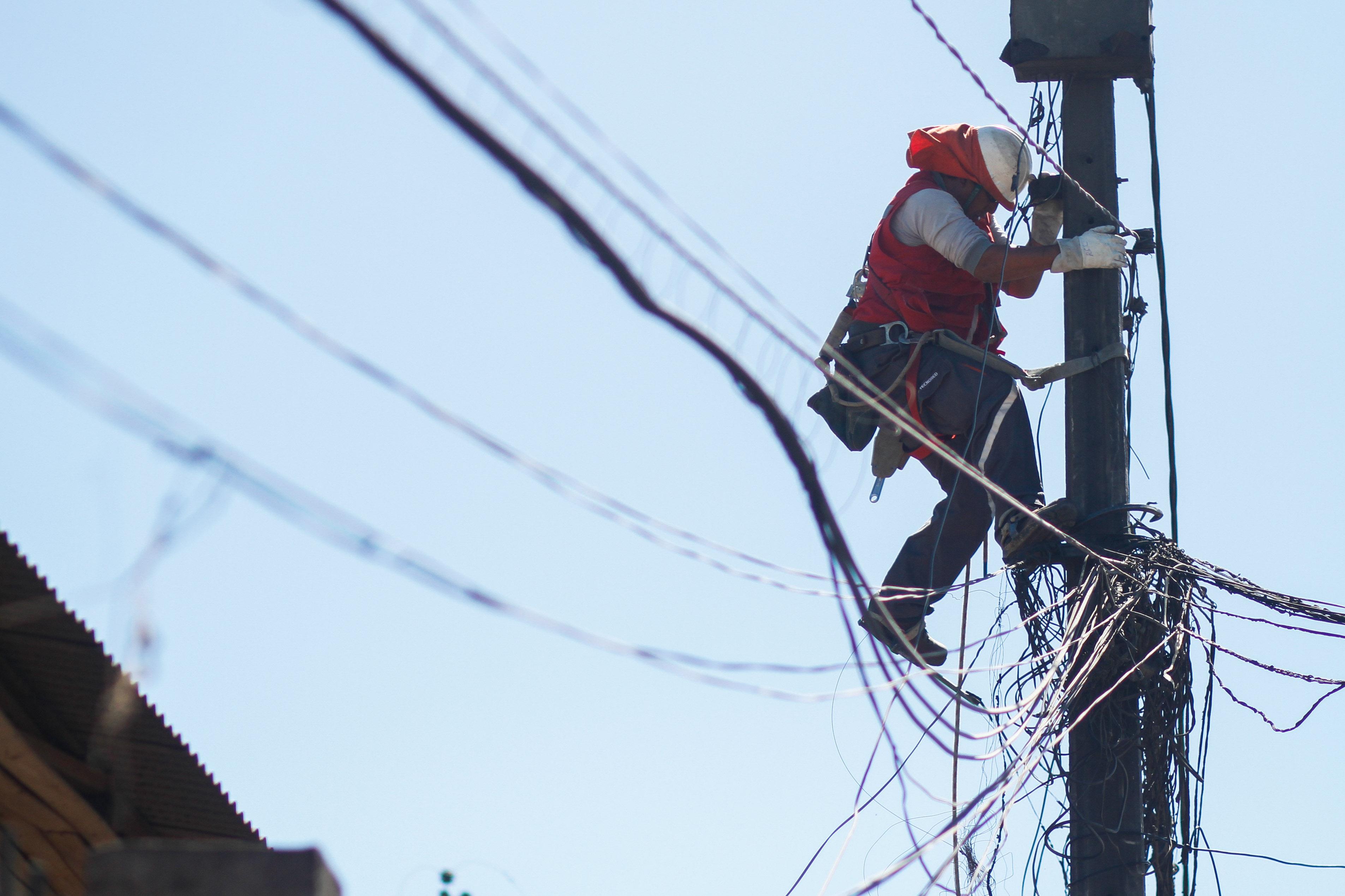 """""""Empresas eléctricas defendieron reemplazos de medidores:"""