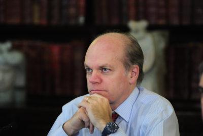 Patricio Walker anuncia que no repostulará al Senado en la semana más complicada para la DC