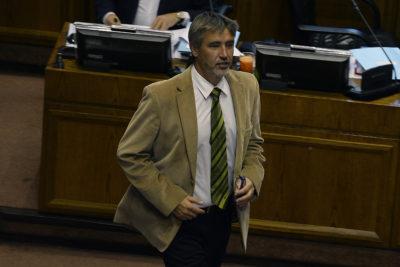 Proveedor de Rossi declaró que senador le pidió emitir factura a SQM