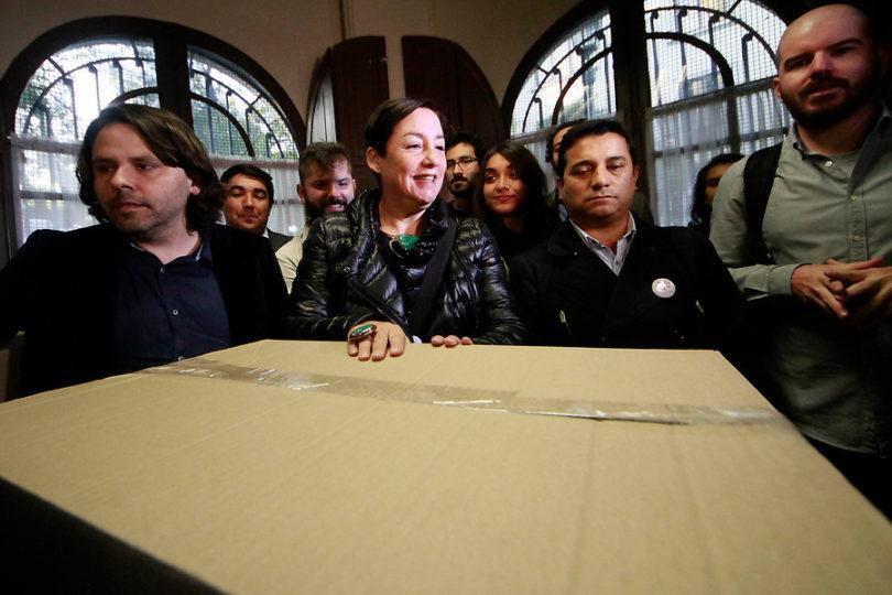 Guerra de recados por la prensa entre Giorgio Jackson y Alberto Mayol