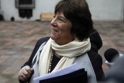 """Ministra de Educación: Confech y Colegio de Profesores """"están desesperados"""""""