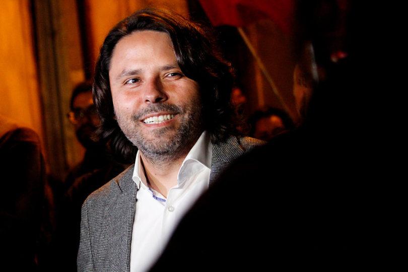 Alberto Mayol anunció que será candidato a diputado por Santiago, Providencia y Ñuñoa