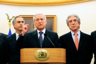 """Heraldo Muñoz anuncia la llegada de un sexto """"huésped"""" a la embajada chilena en Caracas"""