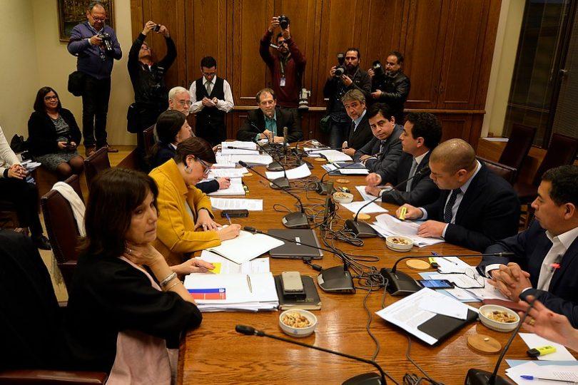 Comisión mixta aprueba proyecto de ley que despenaliza el aborto en tres causales