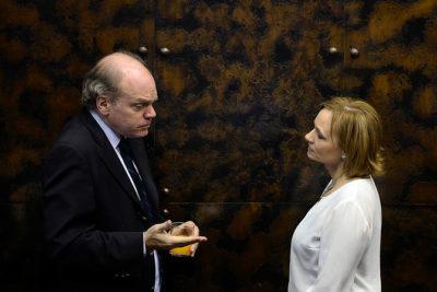 Mesa directiva de la DC pone a disposición de Carolina Goic la candidatura de Ricardo Rincón