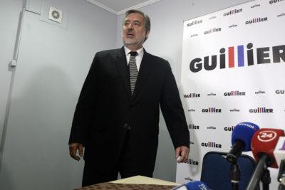 """Guillier responde al fuego amigo por críticas al comando: """"Sin experiencia pero tienen las manos limpias"""""""