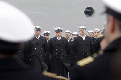 Justicia ordena a la Armada a entregar información sobre oficiales recontratados