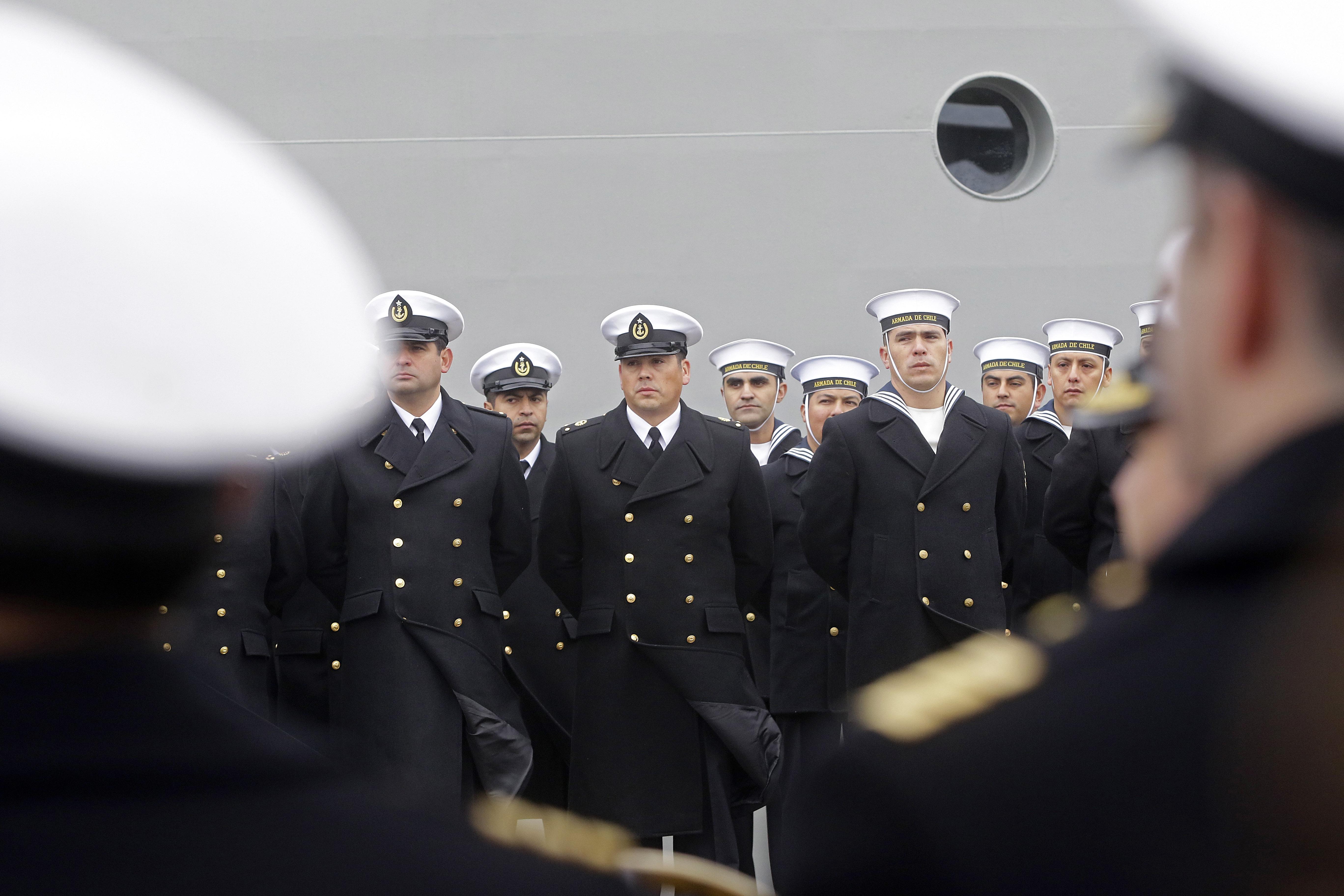 """""""Justicia ordena a la Armada a entregar información sobre oficiales recontratados"""""""