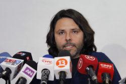 Rafael Gumucio hace pebre en una frase al Frente Amplio y le da donde más le molesta