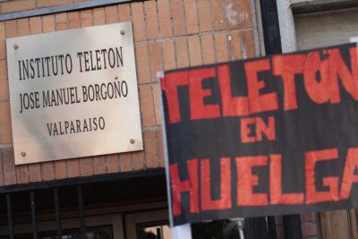 Funcionarios de la Teletón deponen huelga tras 8 días movilizados