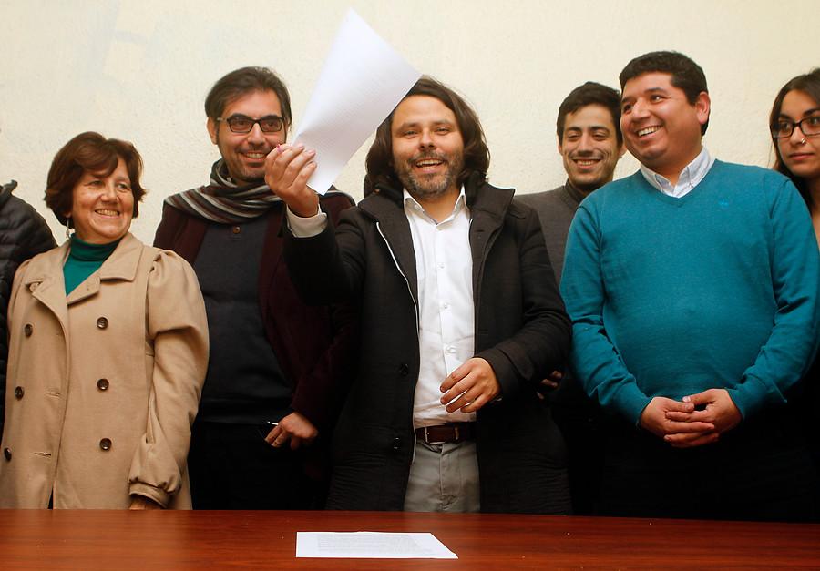 Fin a la crisis en FA: Alberto Mayol será candidato por el Distrito 10