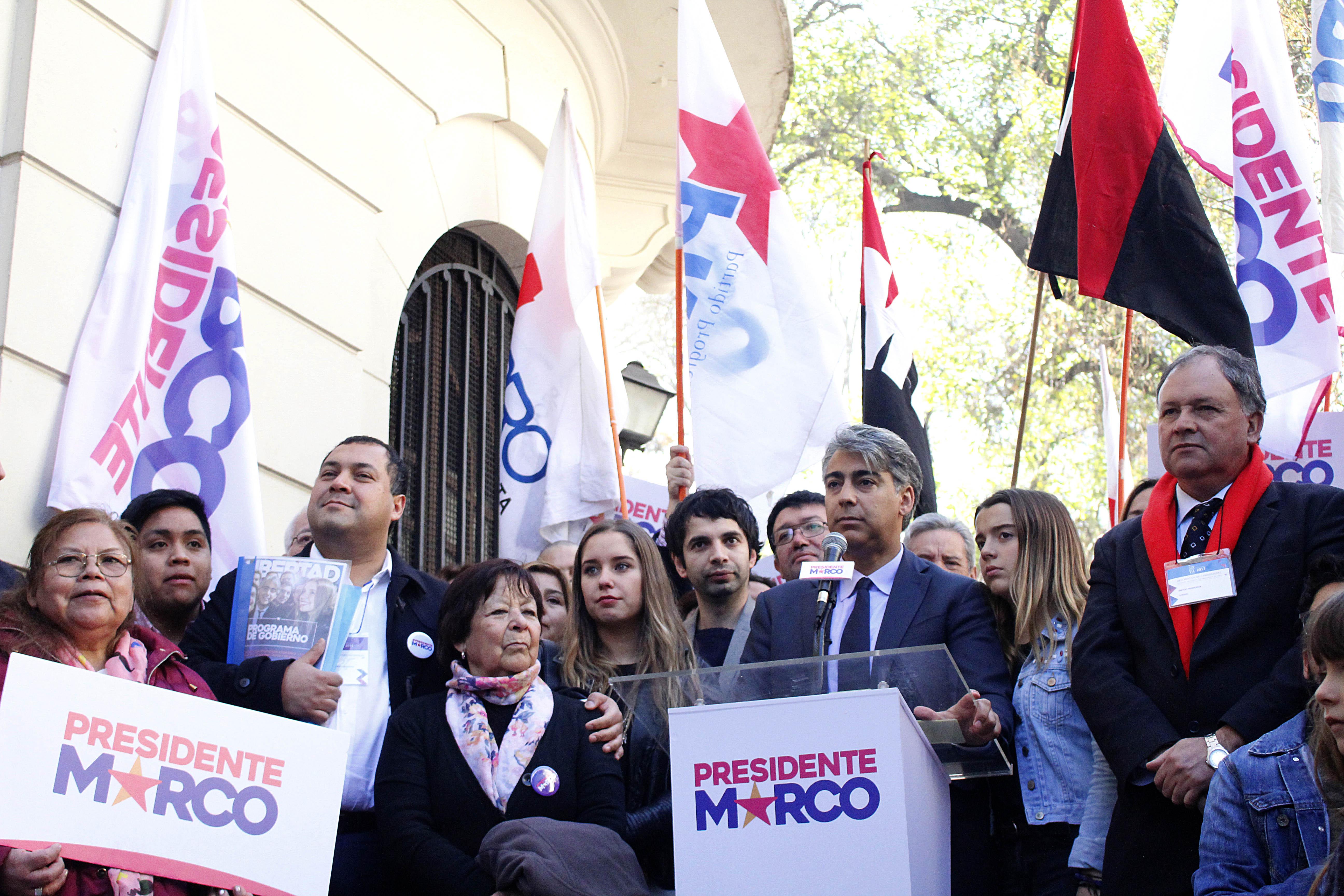 """""""Marco Enríquez-Ominami inscribió su tercera candidatura presidencial:"""
