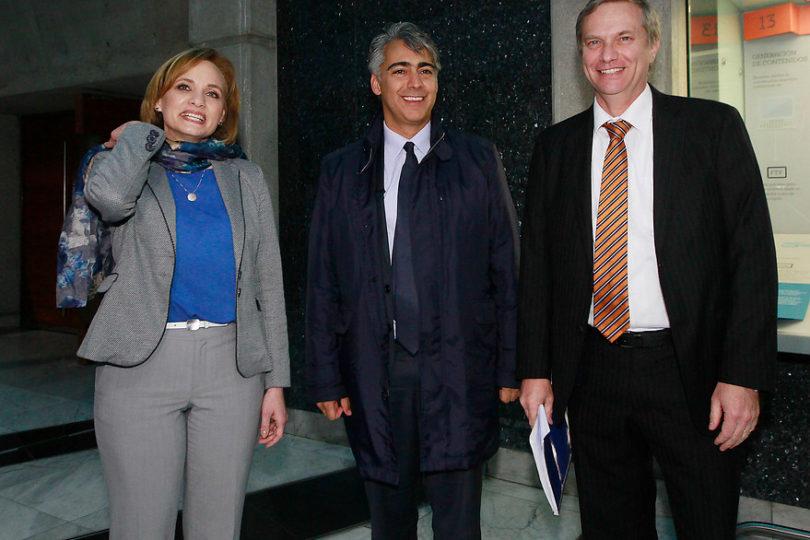 """Guillier no está solo: Goic, Kast y ME-O también acusan """"bloqueo bancario"""" para financiar campañas"""