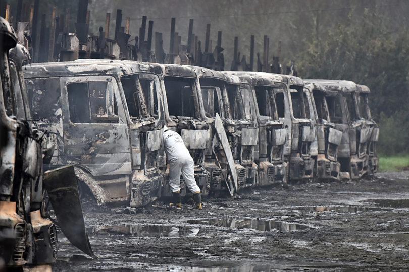 Abbott pide a empresarios asumir responsabilidad por falta de protección de sus bienes tras ataque incendiario