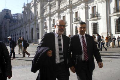Valdés llega a La Moneda para definir su continuidad en Hacienda