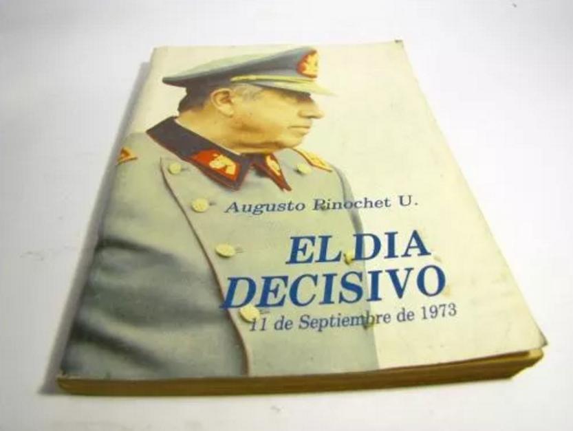 La larga lista de artículos en memoria de Pinochet que se venden en Mercado Libre