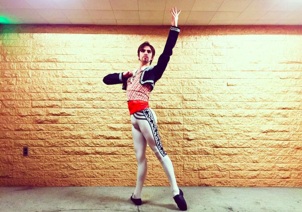 """""""De cadete de Colo Colo a bailarín: la historia de Mauricio Vera, el director de la Gala de Ballet Internacional"""""""