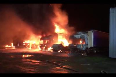 """Camioneros exigen al Gobierno reunión """"con extrema urgencia"""" tras quema de 18 camiones en La Araucanía"""