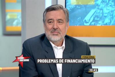 """Alejandro Guillier le responde a Piñera: """"El hombre más rico de Chile tiene apoyo del BancoEstado"""""""