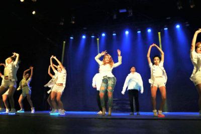 VIDEO | Cathy Barriga se robó las miradas bailando reggaetón en acto municipal