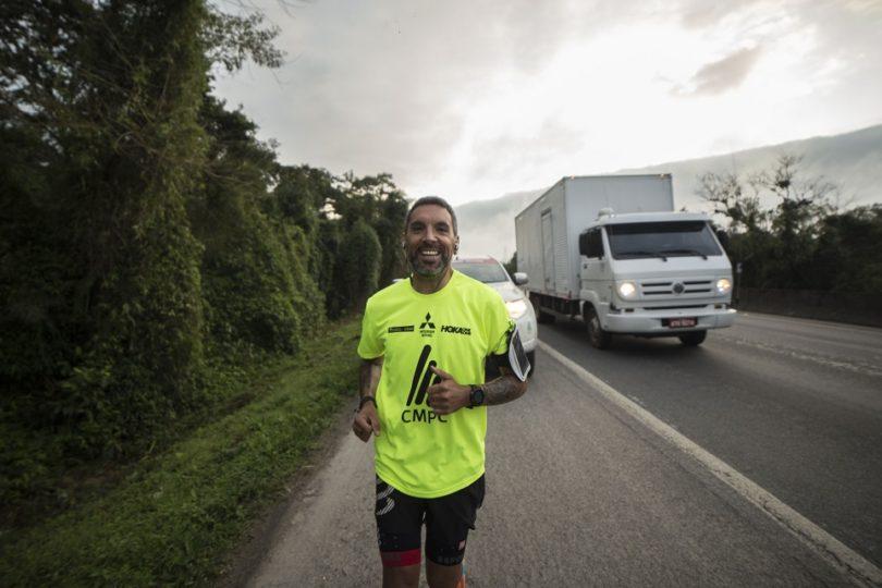 Matías Anguita cumple un mes corriendo por el Desafío Superando Fronteras