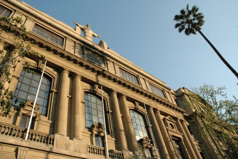 PUC lidera ranking QS y se ubica como la mejor de América Latina