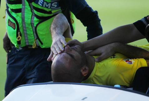VIDEO | Arquero estuvo a punto de perder el ojo tras brutal choque con rival en México