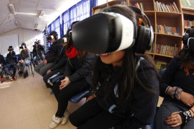 """Realidad virtual acerca la """"China Imperial"""" a estudiantes de regiones"""