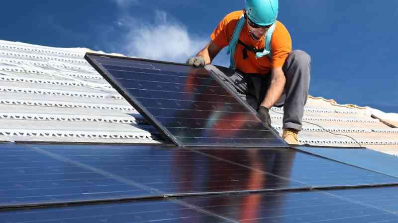 Vecinos de Concón se capacitan en instalaciones solares fotovoltaicas