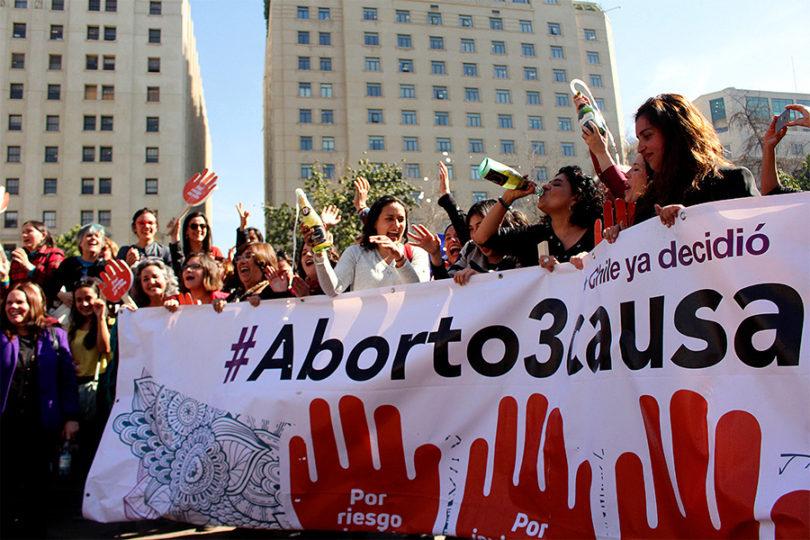 Médico es sobreseído por nueva ley de aborto en 3 causales