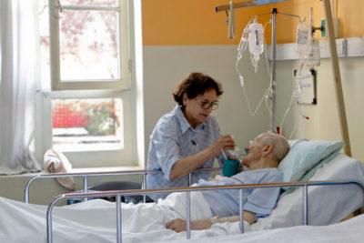 Atención AUGE: personas fallecidas esperaron 655 días para una consulta