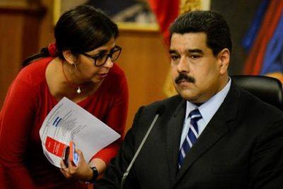 """Maduro hace llamado de ayuda al Papa Francisco ante """"amenaza militar"""" de Estados Unidos"""