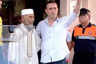 VIDEO   Emotivo gesto que tuvo el padre de un menor fallecido en el atentado en Barcelona con un musulmán